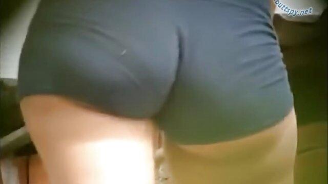 Rusa follando con mamá Bella, 56 ver porno gratis hd años.