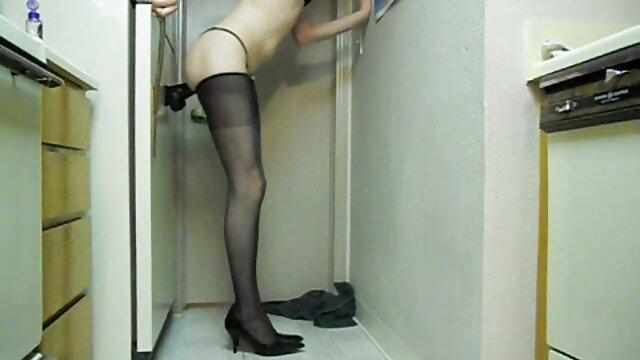 Tera amateur tetona erotisimo online gratis jugando su coño con su juguete favorito