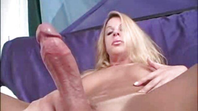Nena morena perfecta masturbándose en tetonas xxx españolas la webcam