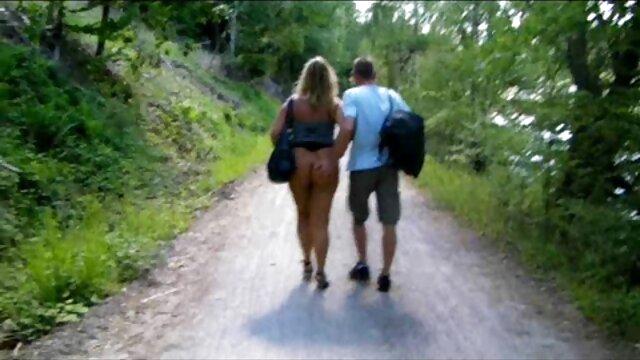 Sexo en público desnudo