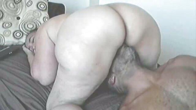 Morena linda Hairplay y striptease, Cabello largo, Cabello peliculas eróticas on line gratis
