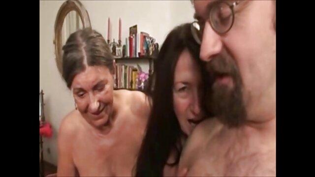 Weirdo come pollo mientras BBC se folla peliculas xxx adultos gratis a su esposa