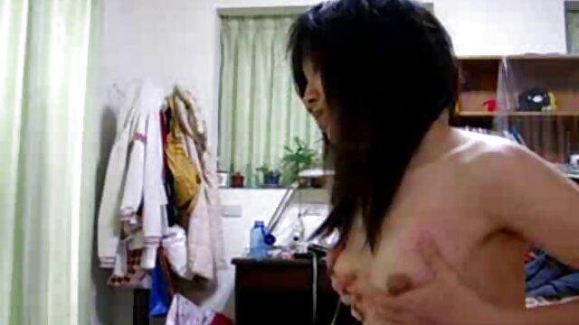 22yo Aus chick mostrando las mejores peliculas eroticas gratis sus pequeñas tetas en la webcam